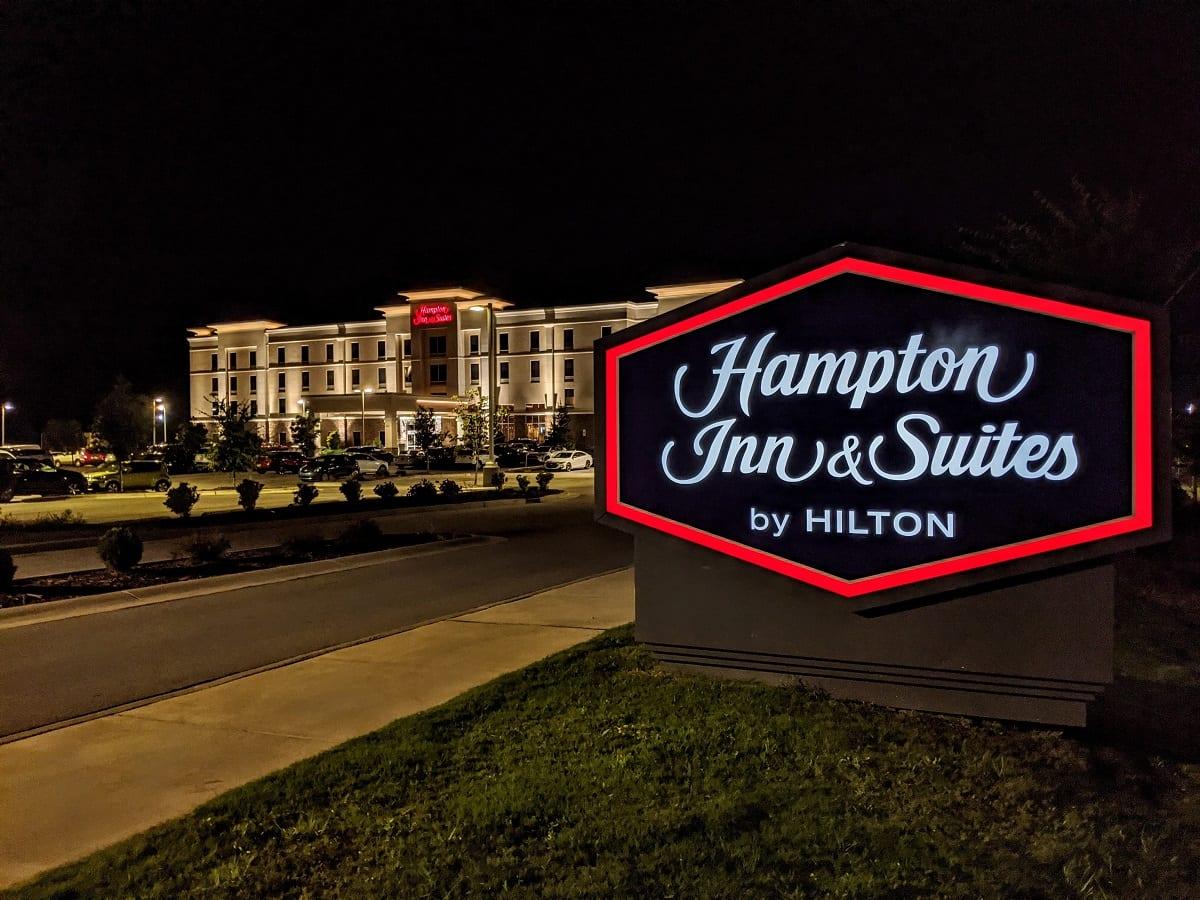 Hampton Inn & Suites Hilton Honors Hotel Sign Logo
